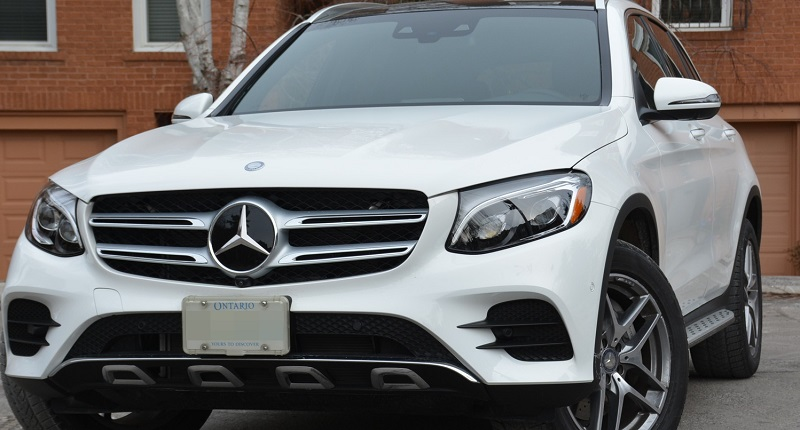 Need windshield replacement repair services for your for Mercedes benz mechanic jobs